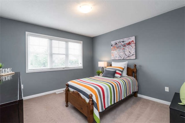 Townhouse at 259 Chilcott Cres, Newmarket, Ontario. Image 6