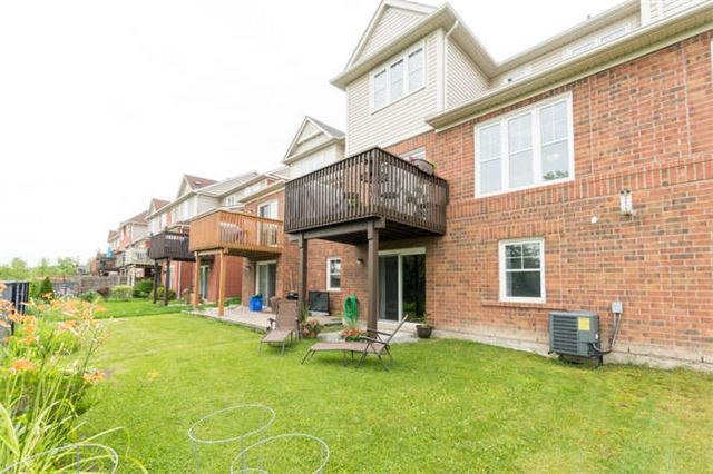 Townhouse at 259 Chilcott Cres, Newmarket, Ontario. Image 10