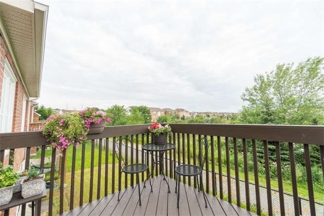Townhouse at 259 Chilcott Cres, Newmarket, Ontario. Image 11