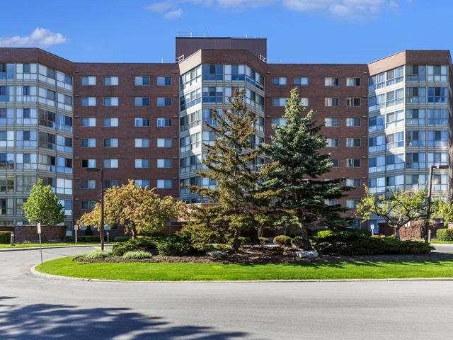 Condo Apartment at 5 Weldrick Rd E, Unit 103, Richmond Hill, Ontario. Image 1