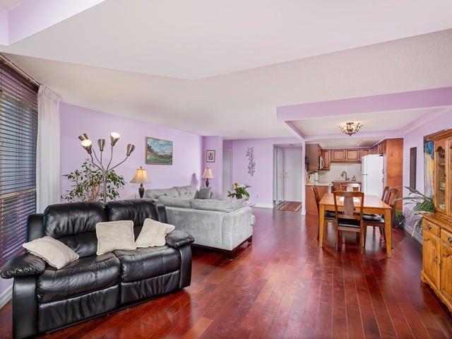 Condo Apartment at 5 Weldrick Rd E, Unit 103, Richmond Hill, Ontario. Image 12
