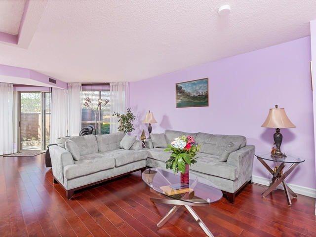 Condo Apartment at 5 Weldrick Rd E, Unit 103, Richmond Hill, Ontario. Image 15