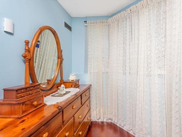 Condo Apartment at 5 Weldrick Rd E, Unit 103, Richmond Hill, Ontario. Image 20