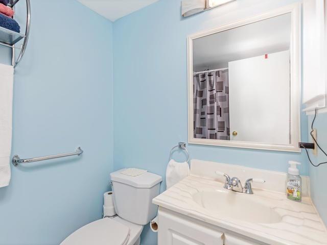 Condo Apartment at 5 Weldrick Rd E, Unit 103, Richmond Hill, Ontario. Image 3