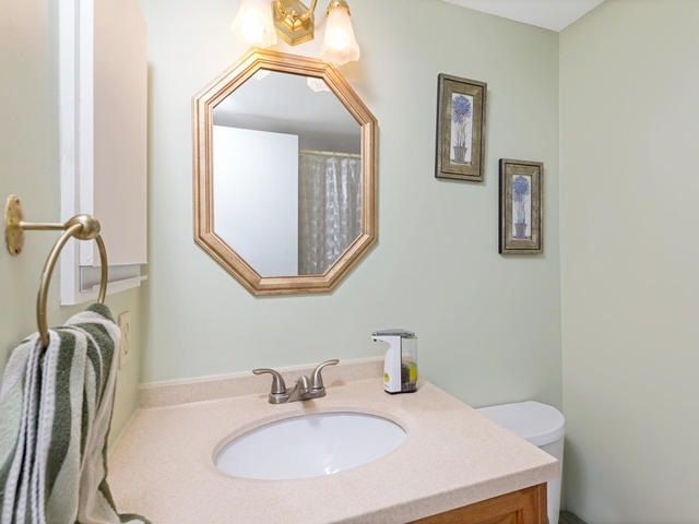 Condo Apartment at 5 Weldrick Rd E, Unit 103, Richmond Hill, Ontario. Image 6