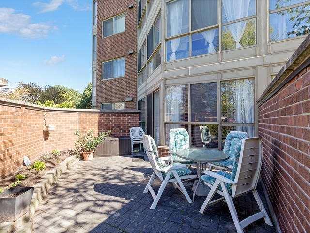Condo Apartment at 5 Weldrick Rd E, Unit 103, Richmond Hill, Ontario. Image 10