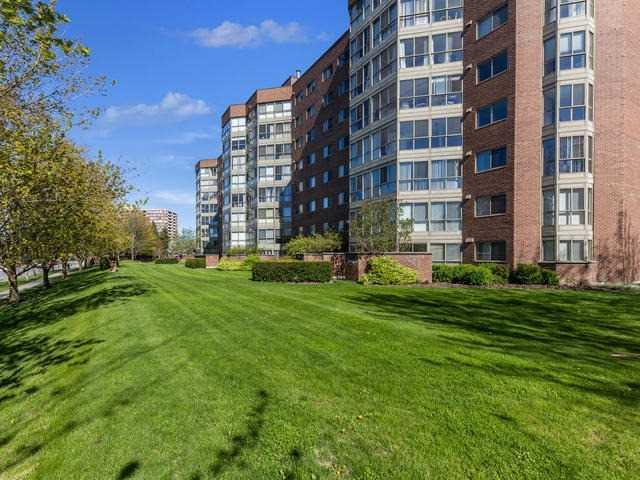 Condo Apartment at 5 Weldrick Rd E, Unit 103, Richmond Hill, Ontario. Image 13