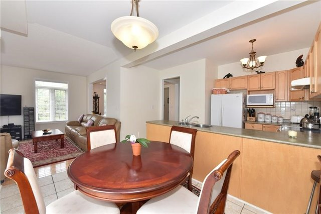 Detached at 1 Greengage St, Markham, Ontario. Image 19