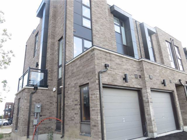 Townhouse at 1 Thorncrest Dr, Vaughan, Ontario. Image 15