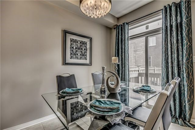 Townhouse at 32 Walter Sinclair Crt, Richmond Hill, Ontario. Image 3