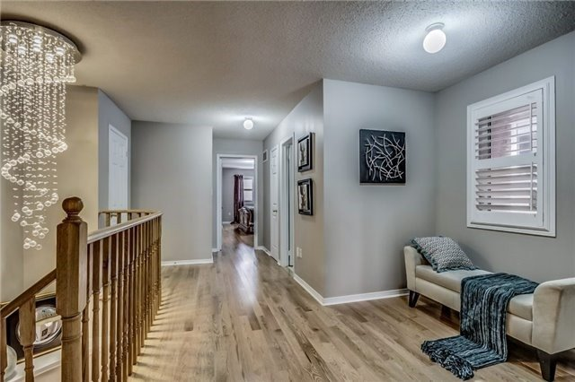 Townhouse at 32 Walter Sinclair Crt, Richmond Hill, Ontario. Image 5