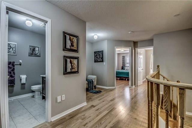Townhouse at 32 Walter Sinclair Crt, Richmond Hill, Ontario. Image 6