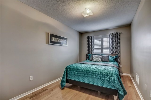 Townhouse at 32 Walter Sinclair Crt, Richmond Hill, Ontario. Image 7