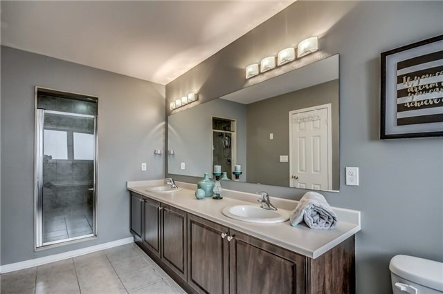 Townhouse at 32 Walter Sinclair Crt, Richmond Hill, Ontario. Image 13