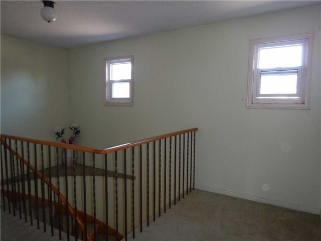 Detached at 6 Constellation Cres, Richmond Hill, Ontario. Image 8