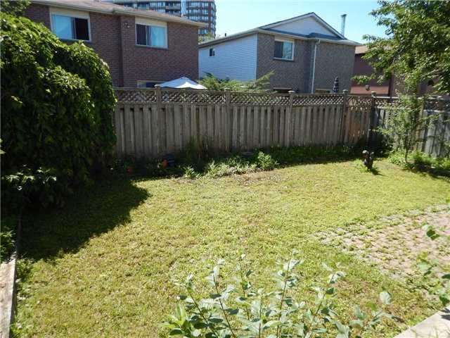 Detached at 6 Constellation Cres, Richmond Hill, Ontario. Image 9