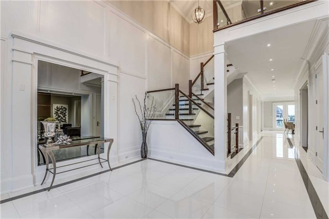 Detached at 31 Winterlude Crt, Vaughan, Ontario. Image 12