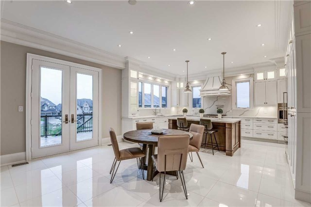 Detached at 31 Winterlude Crt, Vaughan, Ontario. Image 18