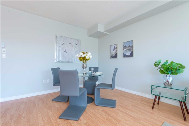 Condo Townhouse at 38 Comely Way, Markham, Ontario. Image 15