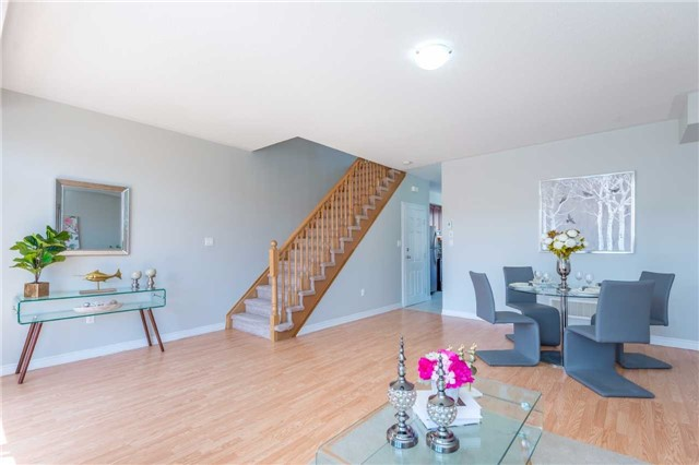 Condo Townhouse at 38 Comely Way, Markham, Ontario. Image 18