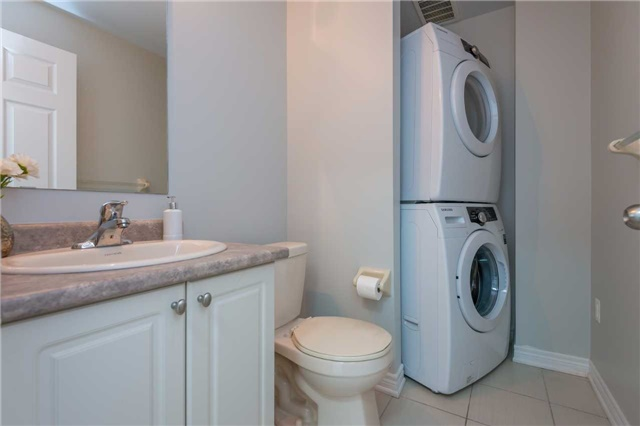 Condo Townhouse at 38 Comely Way, Markham, Ontario. Image 5