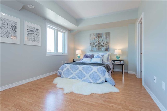 Condo Townhouse at 38 Comely Way, Markham, Ontario. Image 6