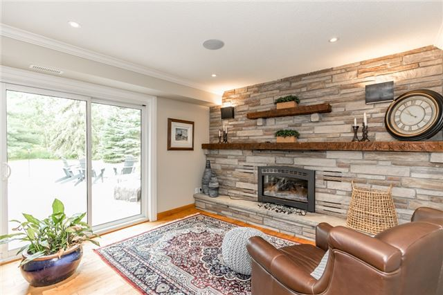 Detached at 19526 Mccowan Rd, East Gwillimbury, Ontario. Image 5