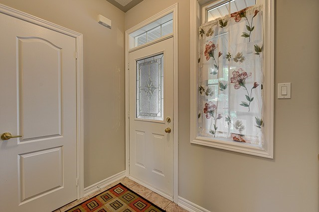 Townhouse at 4 Zola Gate, Vaughan, Ontario. Image 2