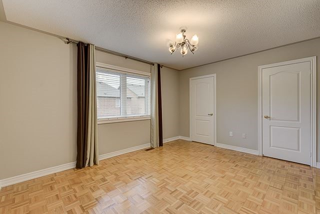 Townhouse at 4 Zola Gate, Vaughan, Ontario. Image 6