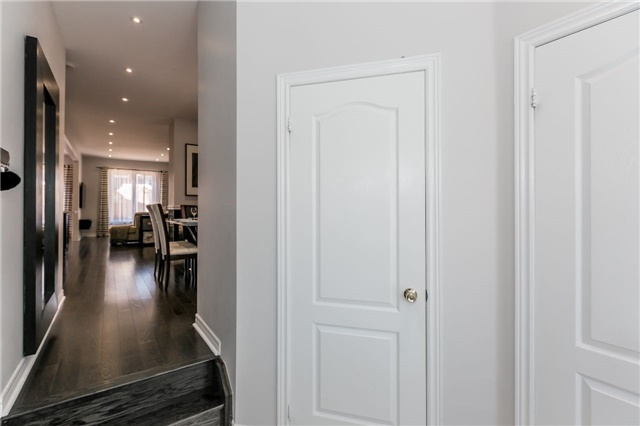 Townhouse at 14 Rogers Tr, Bradford West Gwillimbury, Ontario. Image 14