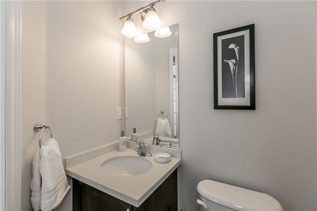 Townhouse at 14 Rogers Tr, Bradford West Gwillimbury, Ontario. Image 15