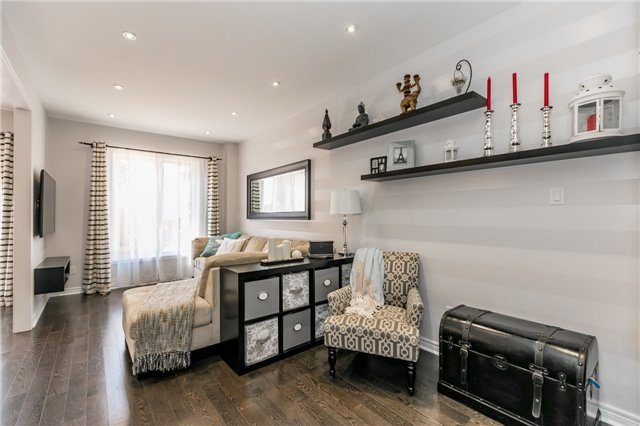 Townhouse at 14 Rogers Tr, Bradford West Gwillimbury, Ontario. Image 18