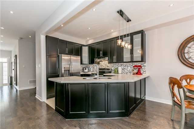Townhouse at 14 Rogers Tr, Bradford West Gwillimbury, Ontario. Image 20