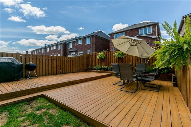 Townhouse at 14 Rogers Tr, Bradford West Gwillimbury, Ontario. Image 13