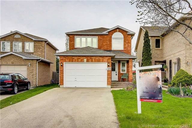 Detached at 20 Cougar Crt, Richmond Hill, Ontario. Image 1