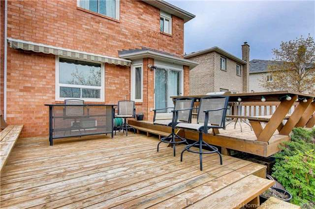 Detached at 20 Cougar Crt, Richmond Hill, Ontario. Image 11