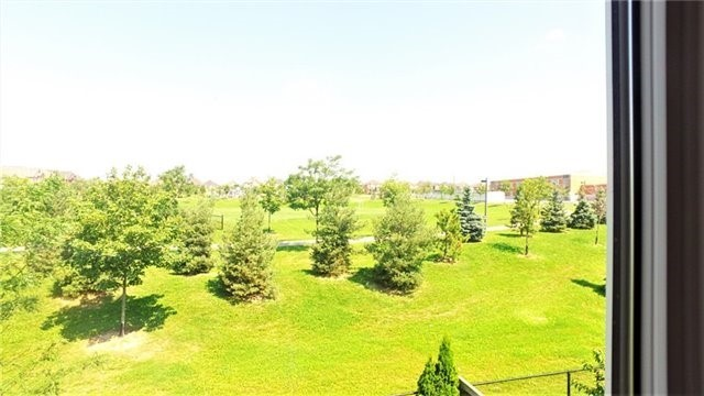 Detached at 84 Golden Orchard Rd, Vaughan, Ontario. Image 3