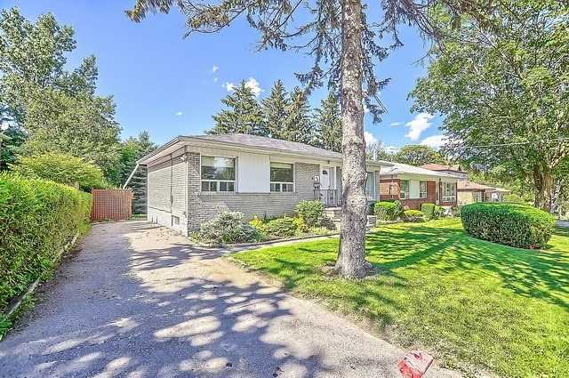 Detached at 43 Boothbay Cres, Newmarket, Ontario. Image 12