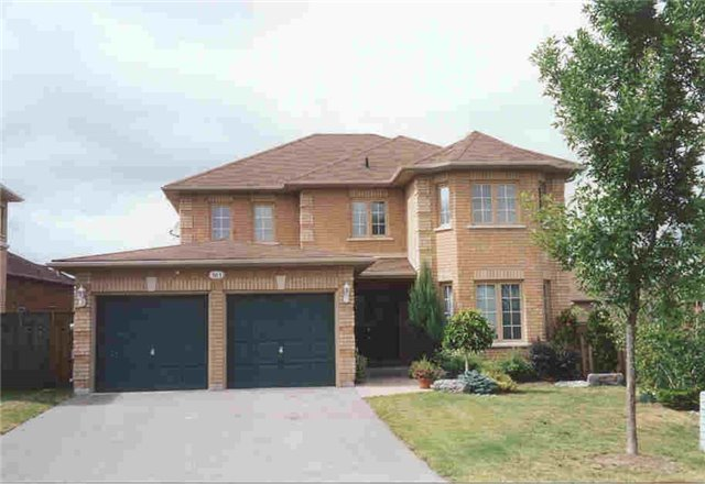 Detached at 583 Goodyear Cres, Newmarket, Ontario. Image 1