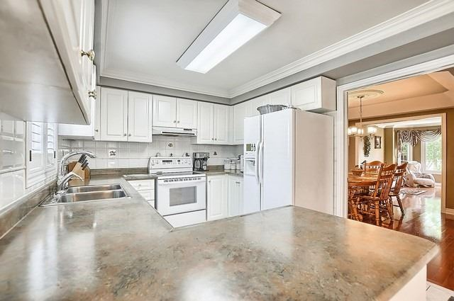 Detached at 583 Goodyear Cres, Newmarket, Ontario. Image 16