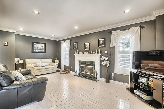 Detached at 583 Goodyear Cres, Newmarket, Ontario. Image 18