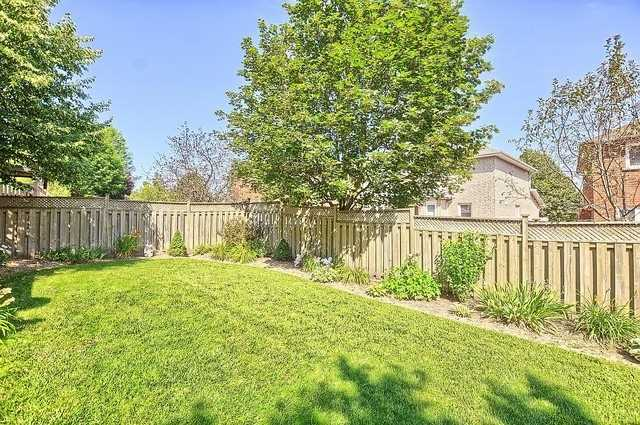 Detached at 583 Goodyear Cres, Newmarket, Ontario. Image 11