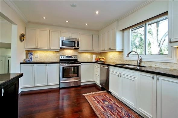 Detached at 139 Marla Crt, Richmond Hill, Ontario. Image 18