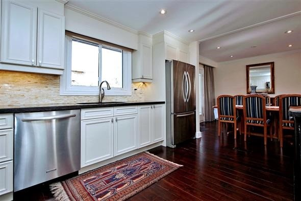 Detached at 139 Marla Crt, Richmond Hill, Ontario. Image 19