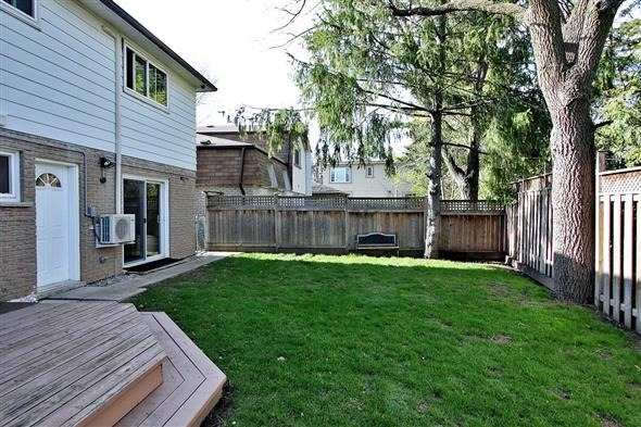 Detached at 139 Marla Crt, Richmond Hill, Ontario. Image 10