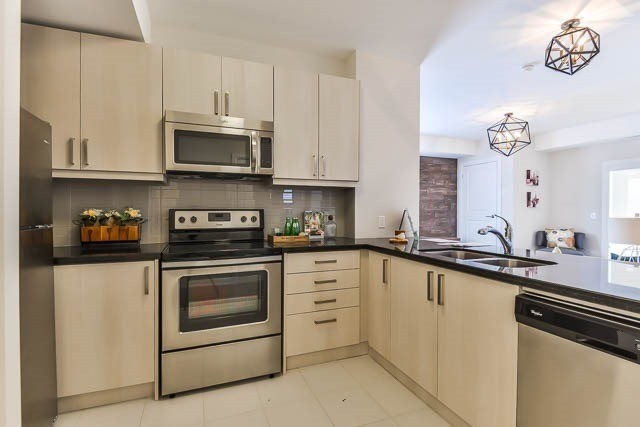 Condo Apartment at 481 Rupert Ave, Unit 414, Whitchurch-Stouffville, Ontario. Image 4