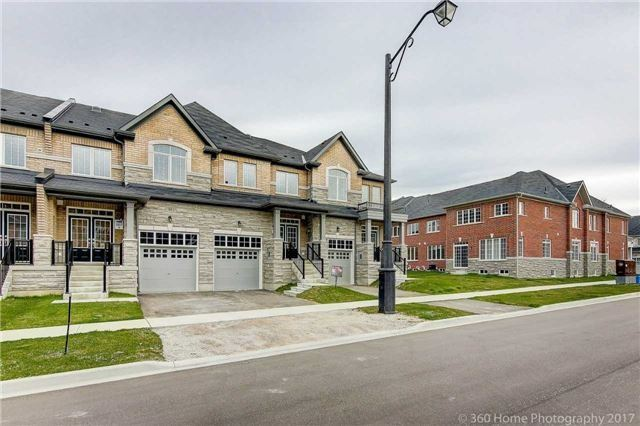 Townhouse at 32 Paper Mills Cres, Richmond Hill, Ontario. Image 1
