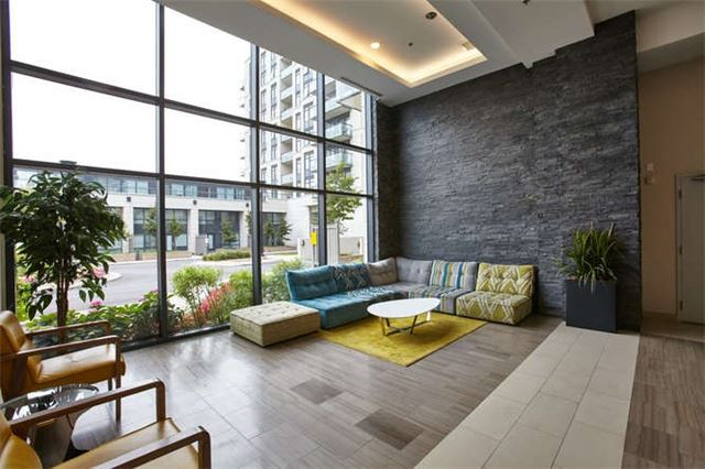 Condo Apartment at 12 Woodstream Blvd, Unit Ph1014, Vaughan, Ontario. Image 12