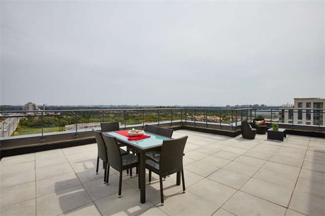 Condo Apartment at 12 Woodstream Blvd, Unit Ph1014, Vaughan, Ontario. Image 4