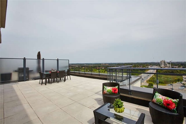 Condo Apartment at 12 Woodstream Blvd, Unit Ph1014, Vaughan, Ontario. Image 11